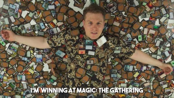 Vencedor do Arena Celebrity Cup cria videoclipe Rap de Magic