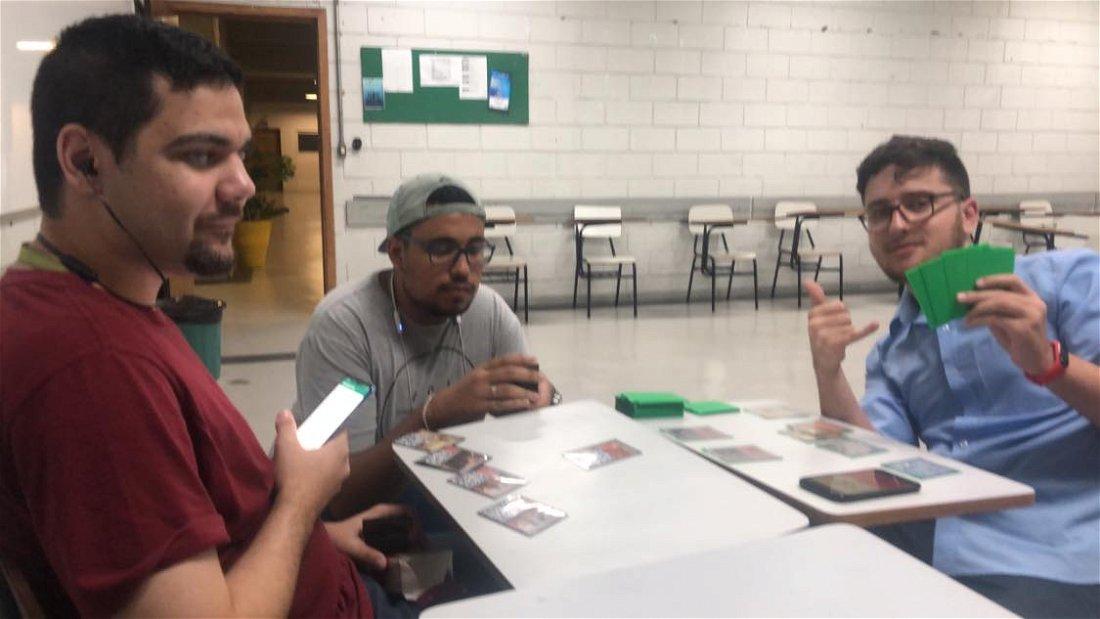 Estudante da FAMA desenvolve APP para deficiente visual jogar Magic