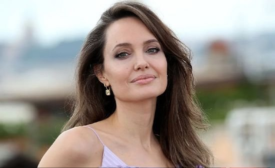 Netflix wants Angelina Jolie to debut Magic: the Gathering Live-Action
