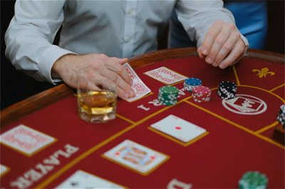 The most iconic casino card games you need to try this year